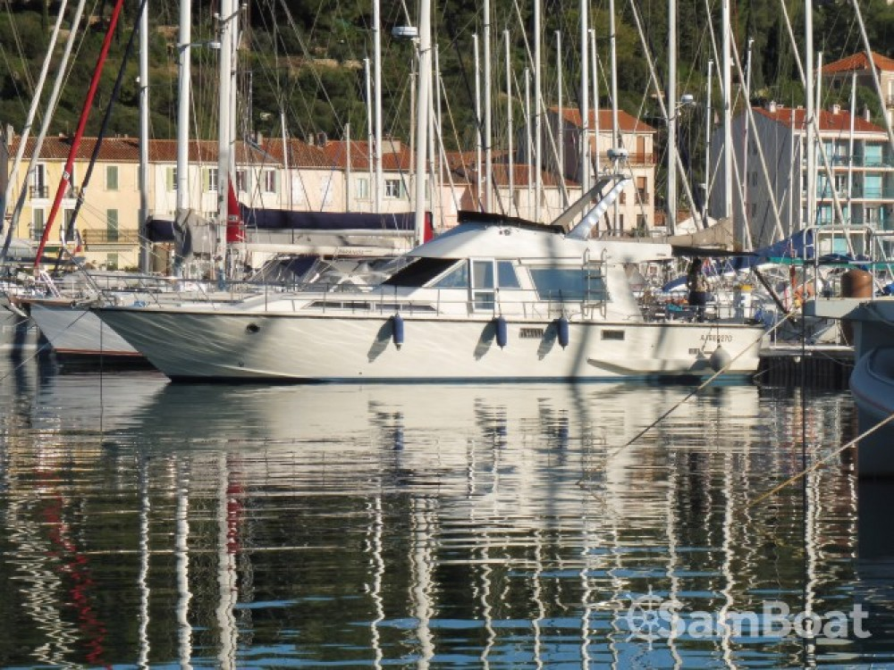 Location bateau Guy Couach Guy Couach 1400 à Toulon sur Samboat
