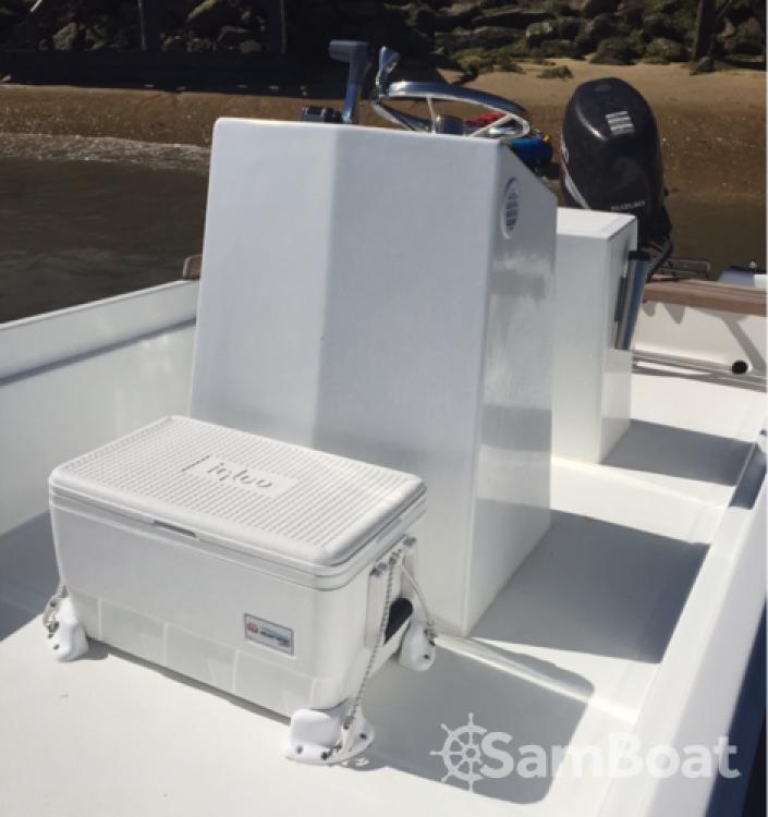 Louer Bateau à moteur avec ou sans skipper CN Cap Ferret à Lège-Cap-Ferret