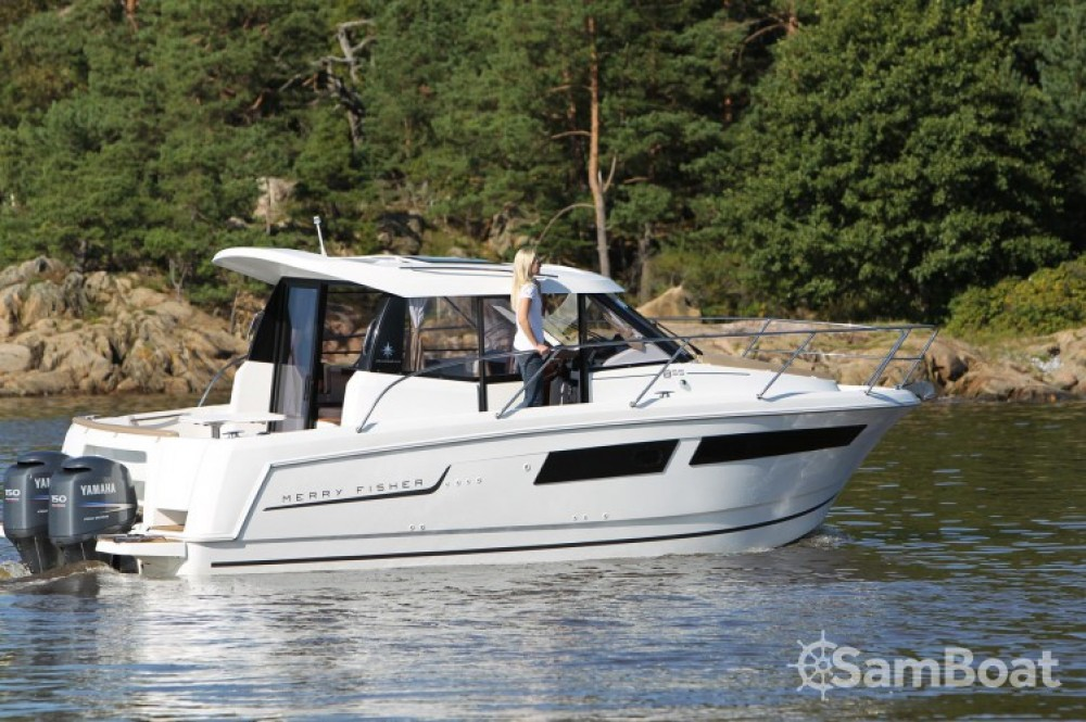Location bateau Mandelieu-la-Napoule pas cher Merry Fisher 855