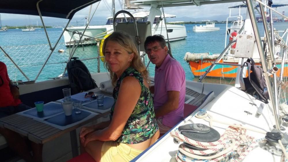 Location bateau Pointe-à-Pitre pas cher Sun Kiss 47