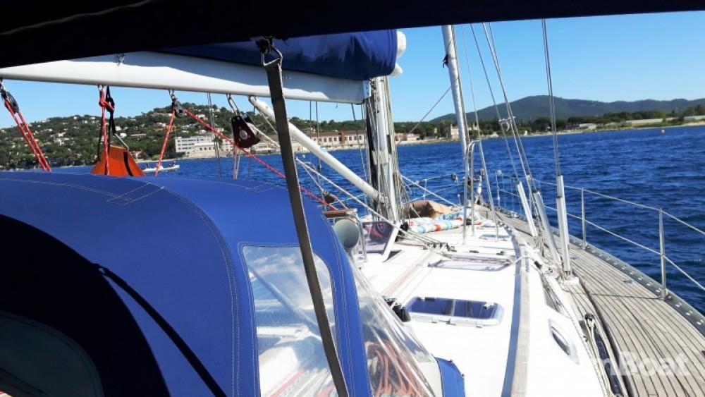 Rental Sailboat in Calliaqua - Jeanneau Sun Odyssey 52.2