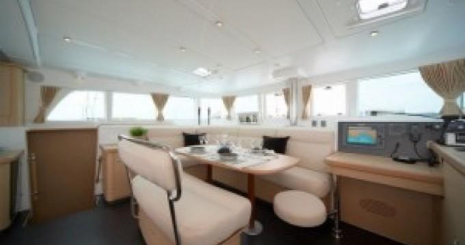 Location yacht à Ta' Xbiex - Lagoon Lagoon 440 sur SamBoat
