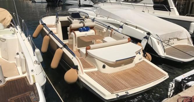 Location bateau Invictus  280 GT à Beaulieu-sur-Mer sur Samboat