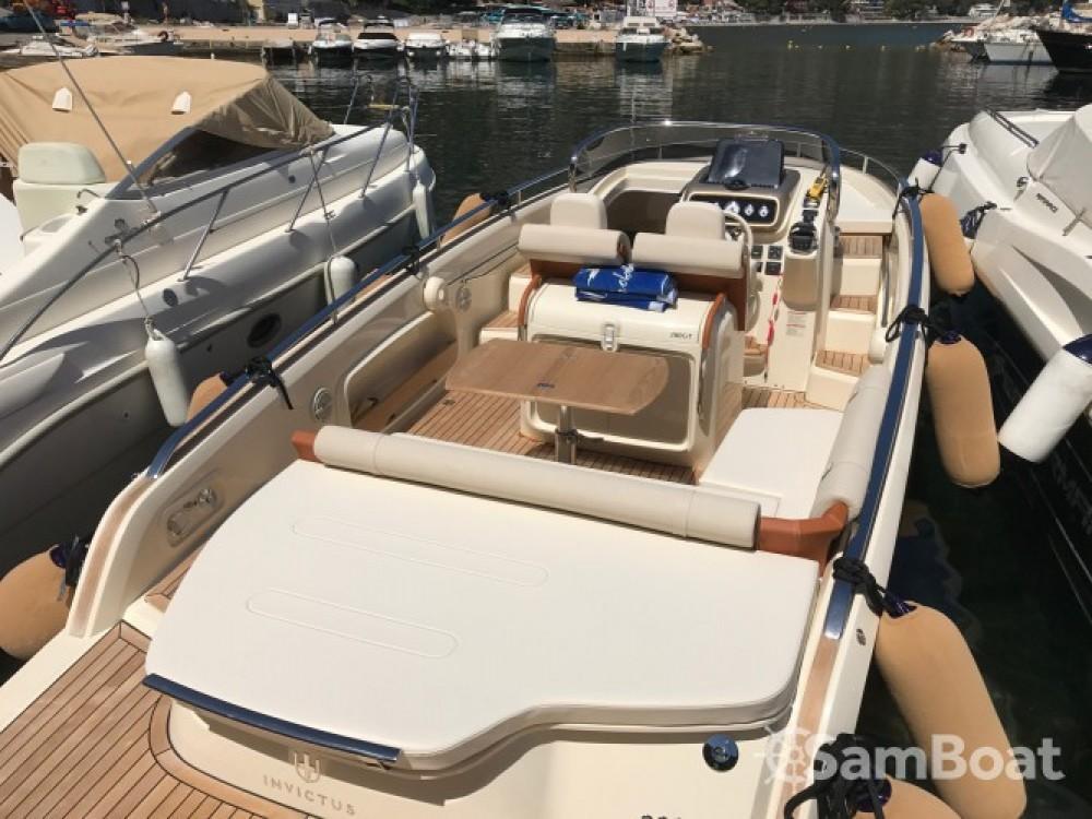 Location yacht à Èze - Invictus  280 GT sur SamBoat