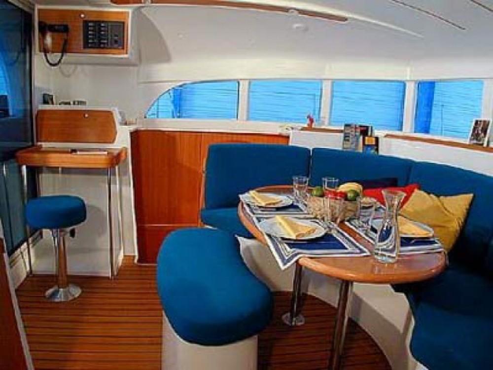 Location bateau Leucade pas cher Lagoon 380
