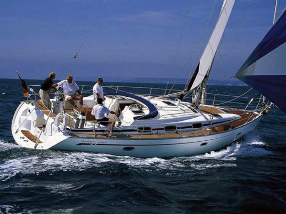 Louez un Bavaria Bavaria 42 Cruiser à Σκιάθος
