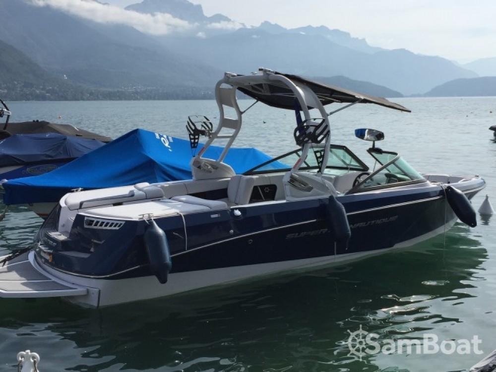 Location bateau Annecy pas cher Super Air Nautique 230