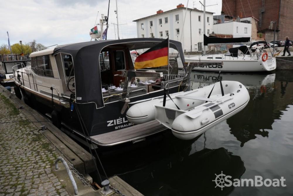 Louer Bateau à moteur avec ou sans skipper Luna à Divitz-Spoldershagen