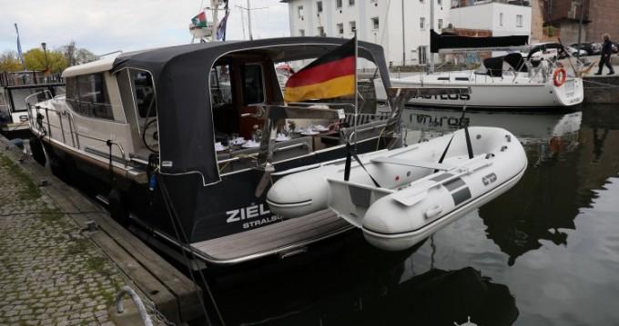 Bateau à moteur à louer à Divitz-Spoldershagen au meilleur prix