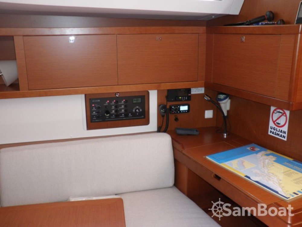 Location bateau Sukošan pas cher Oceanis 45