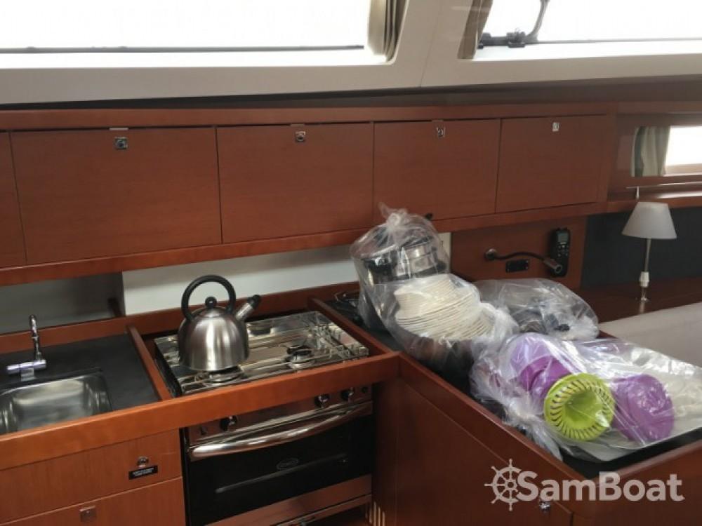 Location bateau Bénéteau Oceanis 41 Style à Furnari sur Samboat