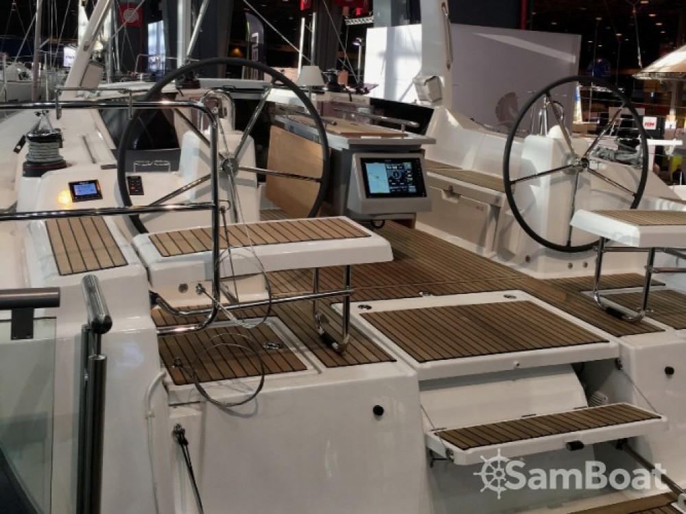 Location bateau Bénéteau Oceanis 41.1 à Marina d'Arechi sur Samboat
