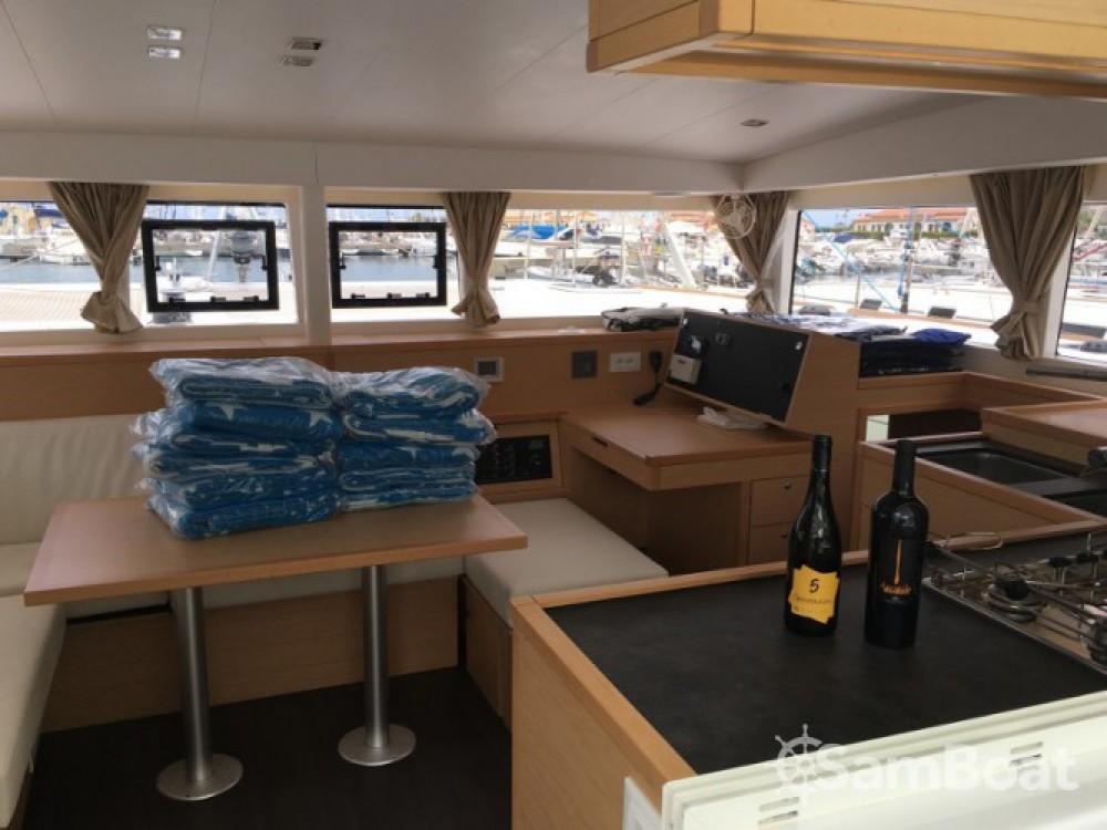 Lagoon Lagoon 400 S2 entre particuliers et professionnel à Marina d'Arechi