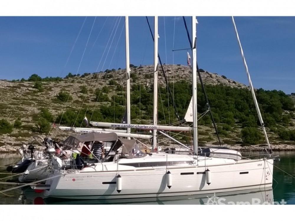 Louez un Jeanneau Sun Odyssey 419 à Marina Kaštela