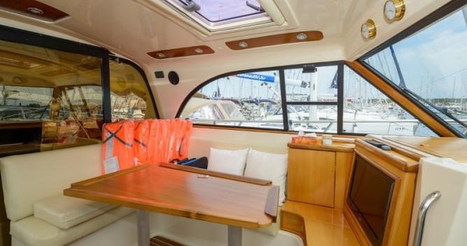 Louer Bateau à moteur avec ou sans skipper Sas Vektor à Biograd na Moru