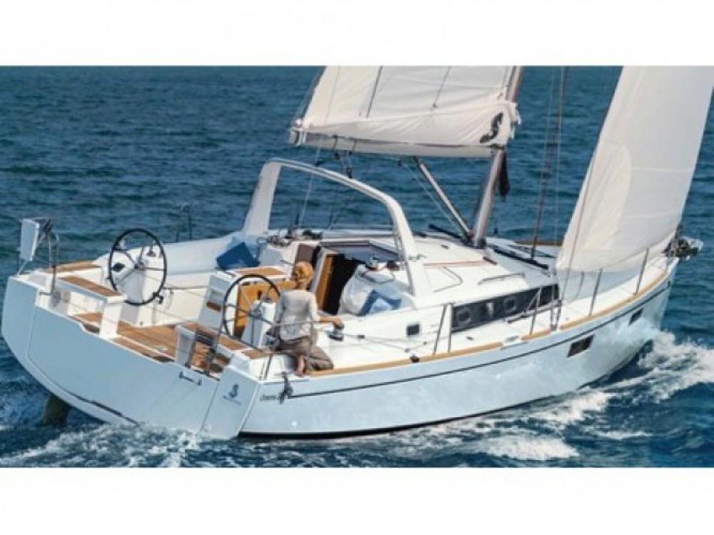 Location bateau Bénéteau Oceanis 38.1 à Leucade sur Samboat