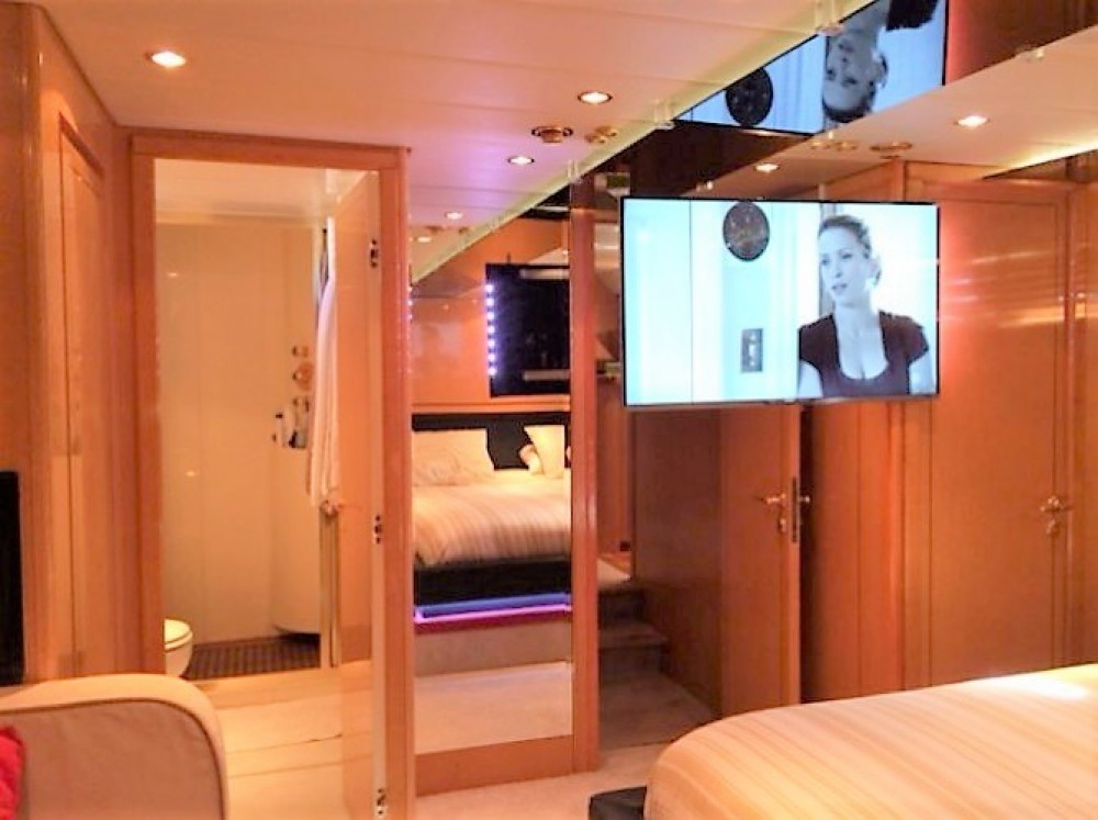 Yacht for rent Port Grimaud at the best price