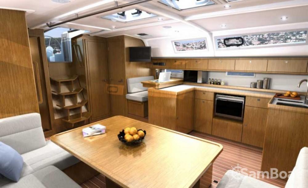 Louez un Bavaria Bavaria Cruiser 51 à Golfo Aranci
