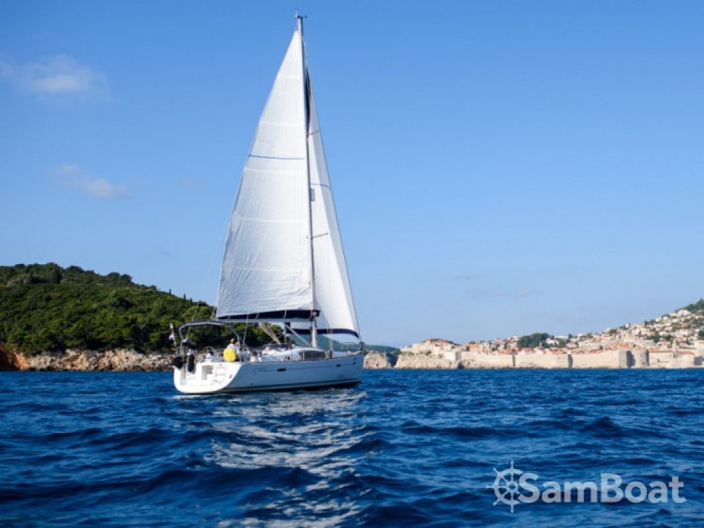 Bénéteau Oceanis 40 entre particuliers et professionnel à ACI Marina Dubrovnik