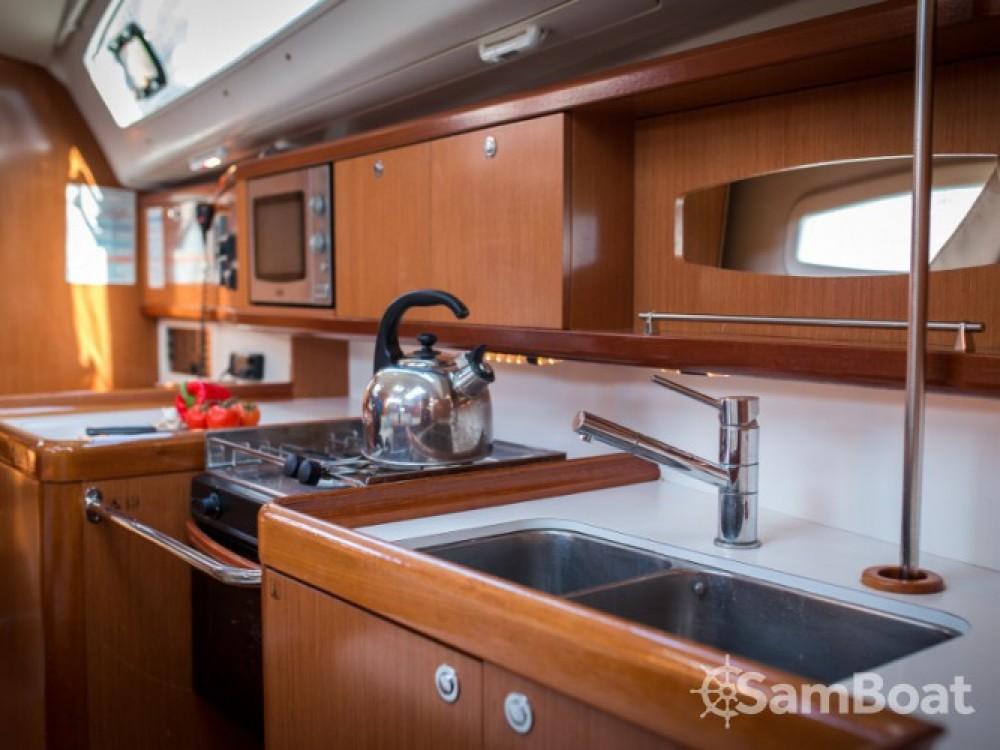 Location bateau ACI Marina Dubrovnik pas cher Oceanis 40