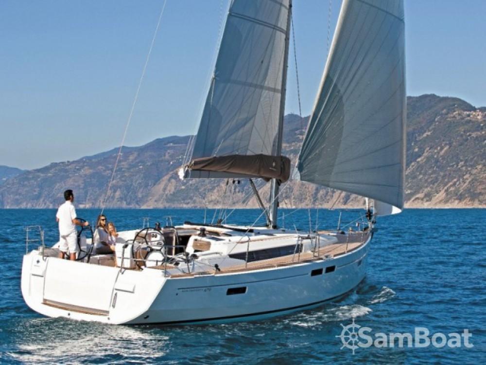 Louez un Jeanneau Sun Odyssey 519 à Salerne
