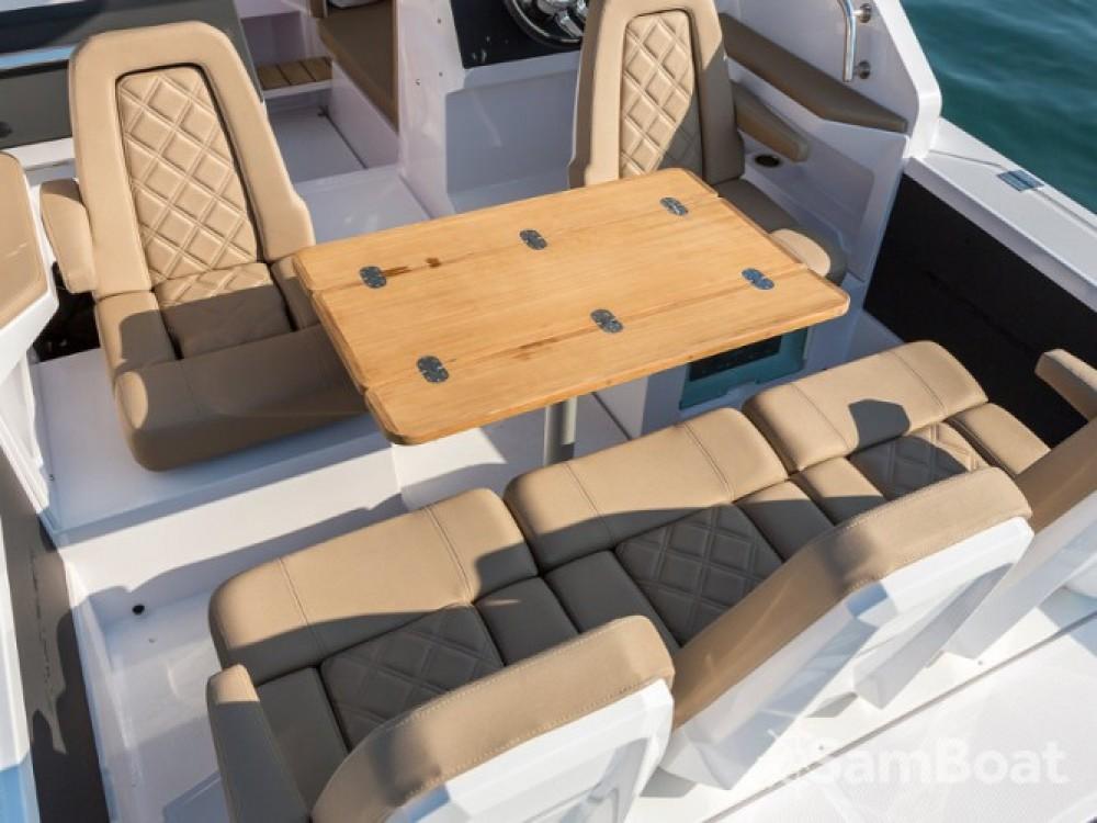 Louer Bateau à moteur avec ou sans skipper Axopar à Seget Donji