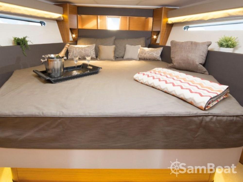Location bateau Pula pas cher S 40 Open