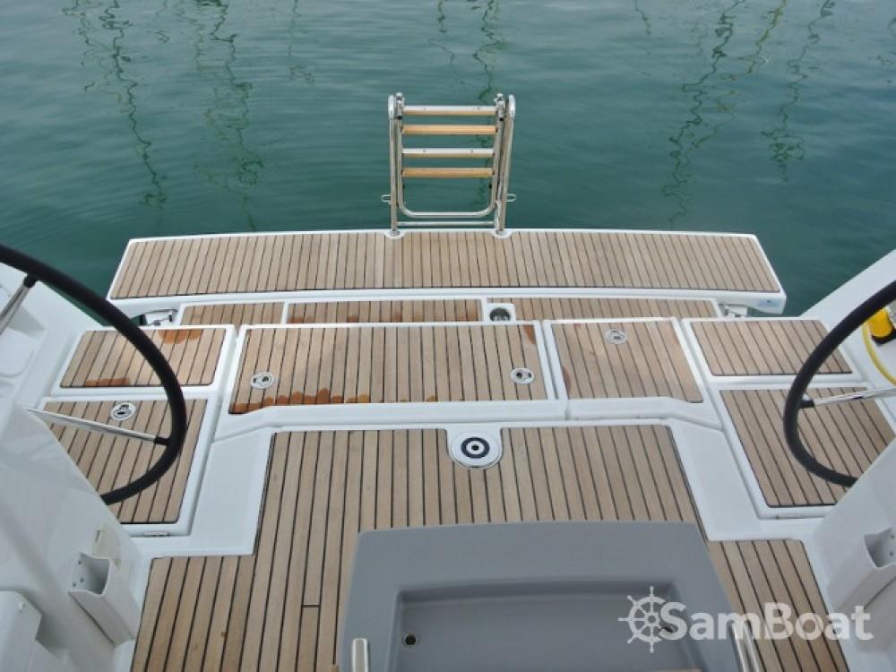 Louez un Bénéteau Oceanis 45 à La Spezia