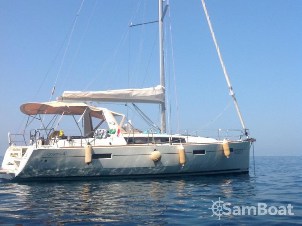Louez un Bénéteau Oceanis 41 à La Spezia