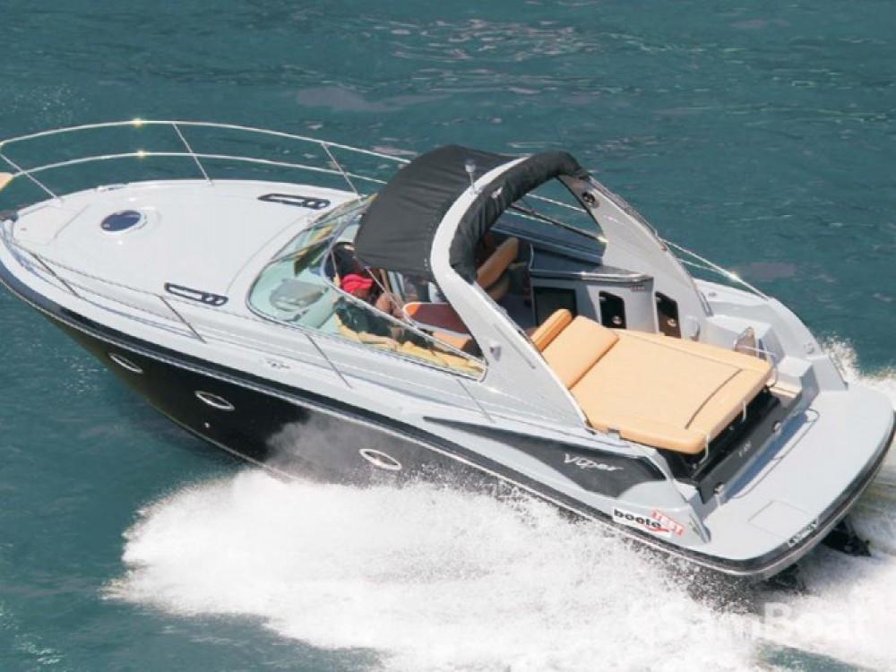 Louer Bateau à moteur avec ou sans skipper Viper à Pula