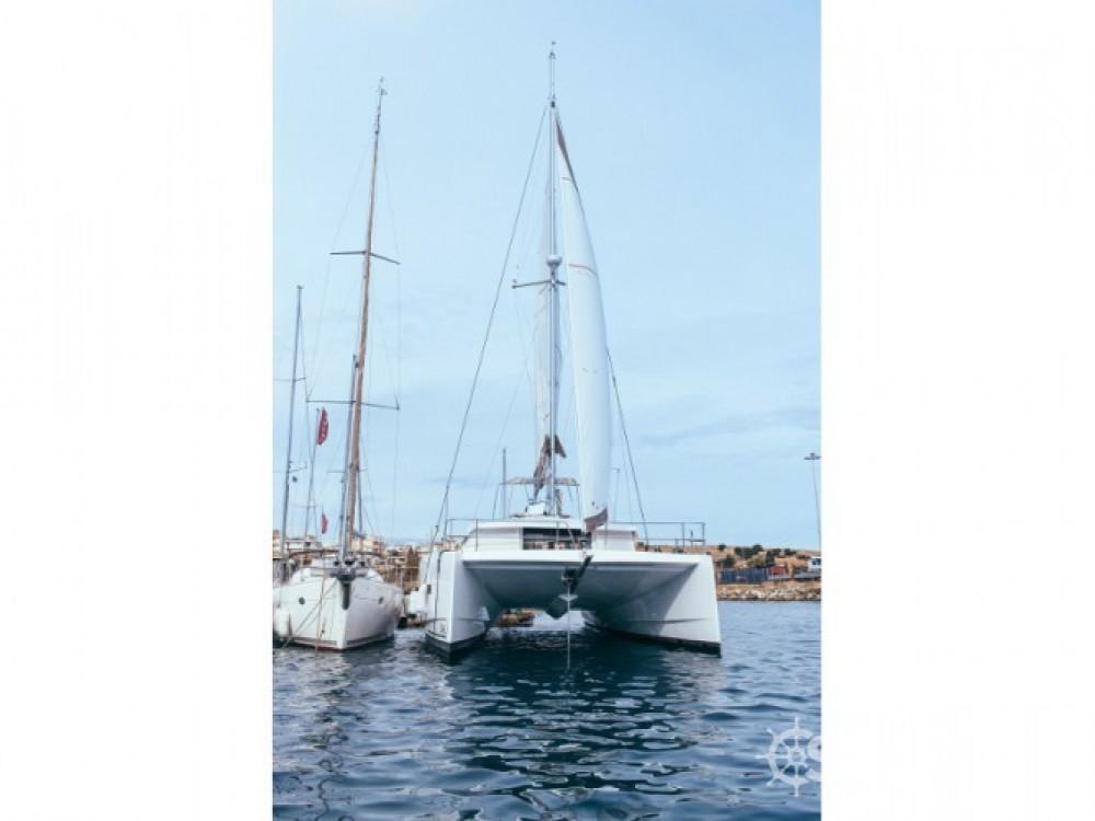 Louer Catamaran avec ou sans skipper Bali Catamarans à Laurion