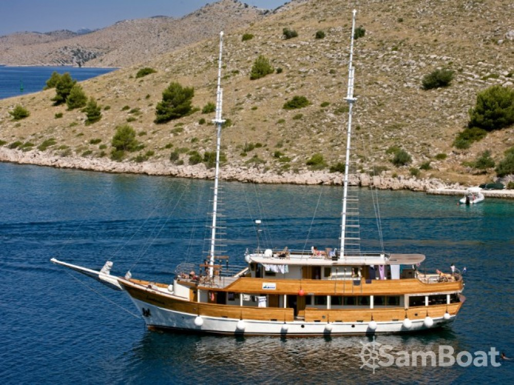 Voilier à louer à Marina Zadar au meilleur prix