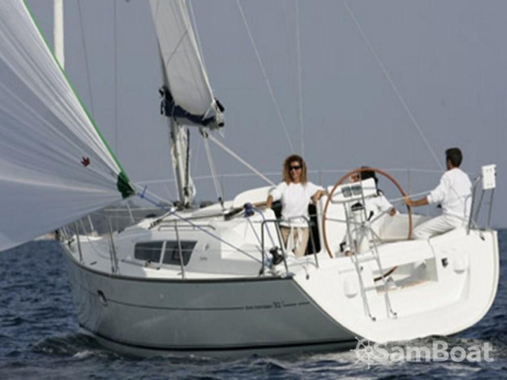 Location bateau Jeanneau Sun Odyssey 32 à Cagliari sur Samboat