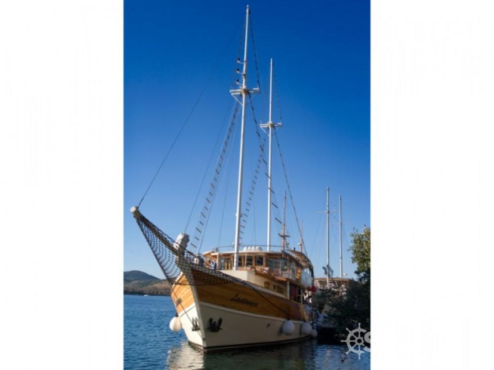 Bavaria Gulet entre particuliers et professionnel à Marina Zadar