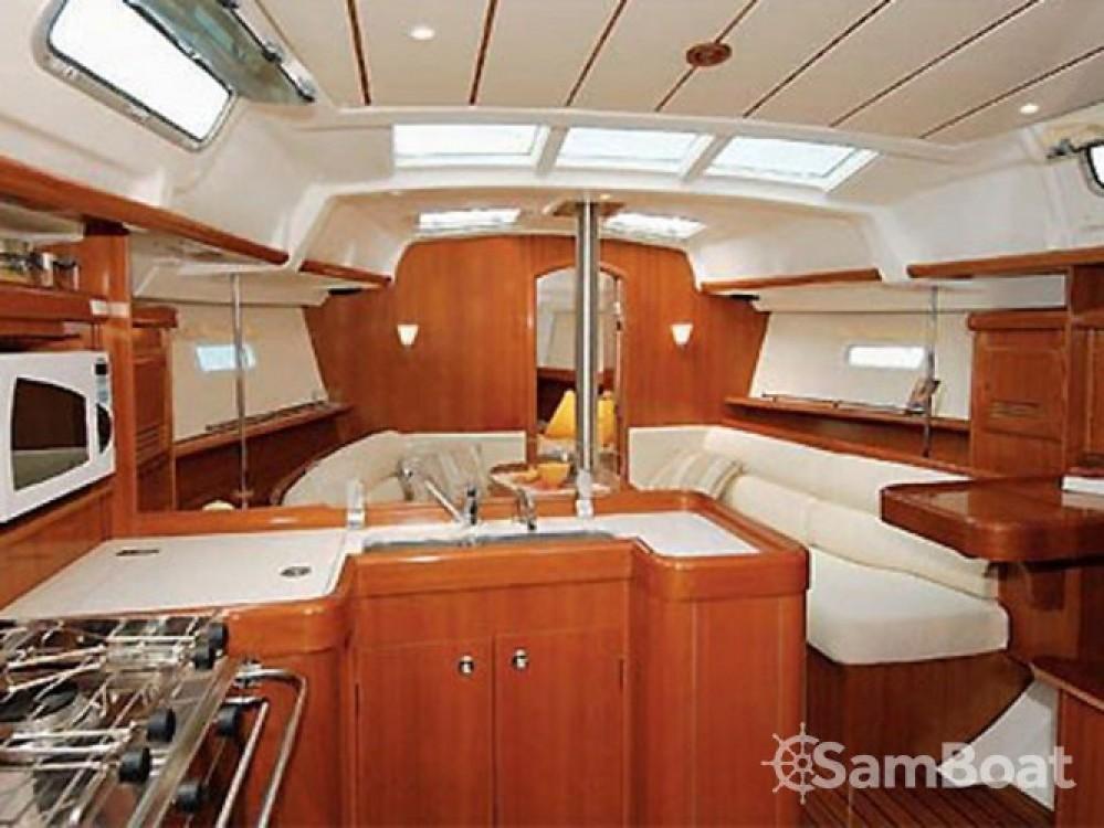 Location yacht à Cagliari - Bénéteau Oceanis 373 sur SamBoat