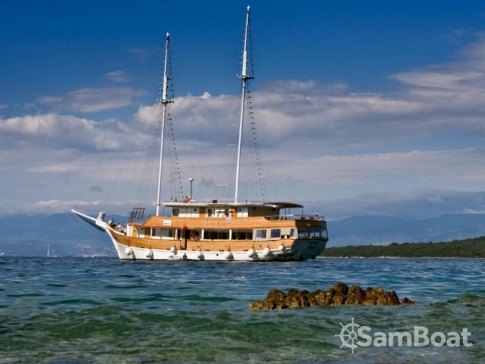 Louer Voilier avec ou sans skipper Bavaria à Marina Zadar