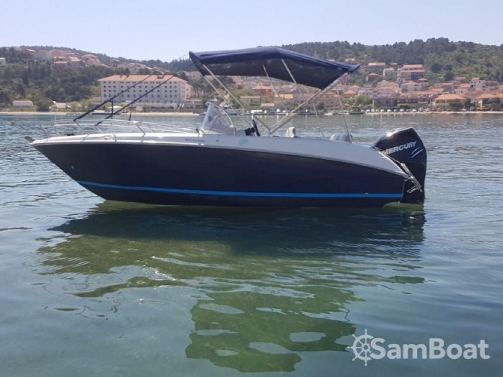 Louer Bateau à moteur avec ou sans skipper Sessa Marine à ACI Marina Trogir