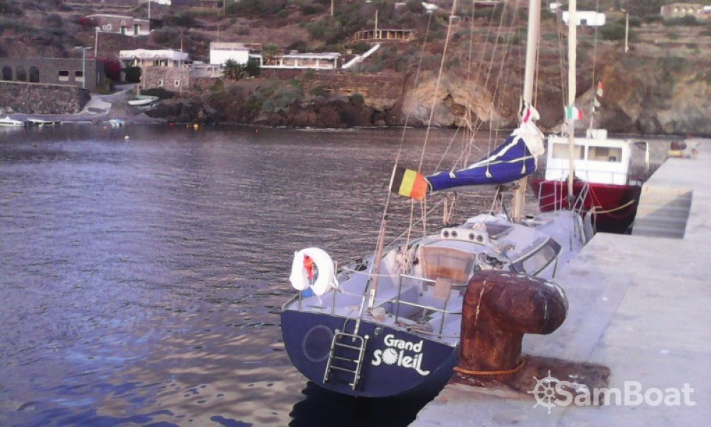 Cantiere Del Pardo Grand Soleil entre particuliers et professionnel à Termini Imerese