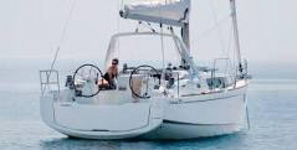 Location bateau Port du Crouesty pas cher Oceanis 38.1