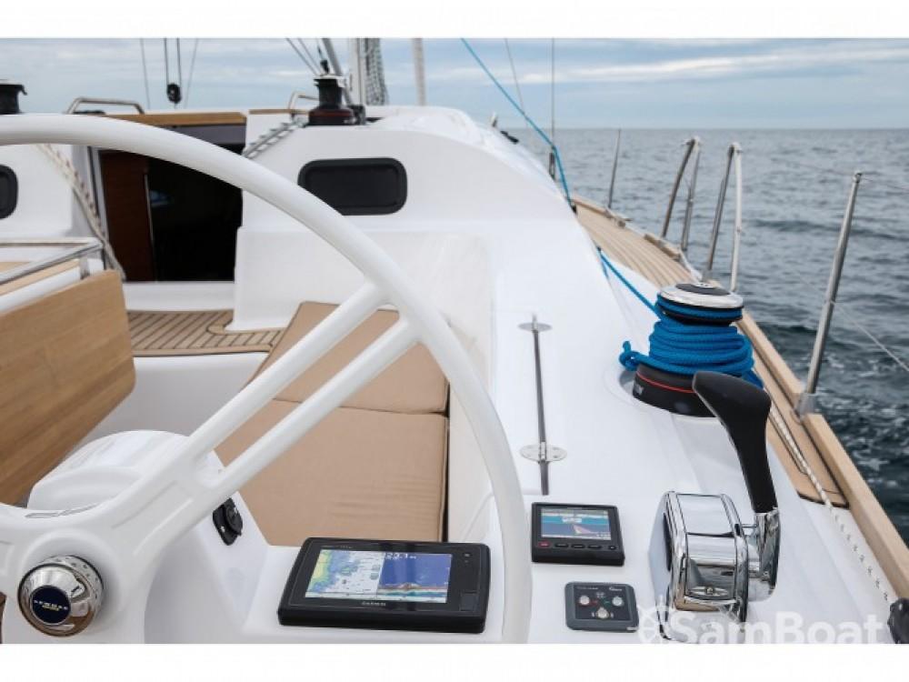 Louer Voilier avec ou sans skipper Elan à Hjellestad Marina
