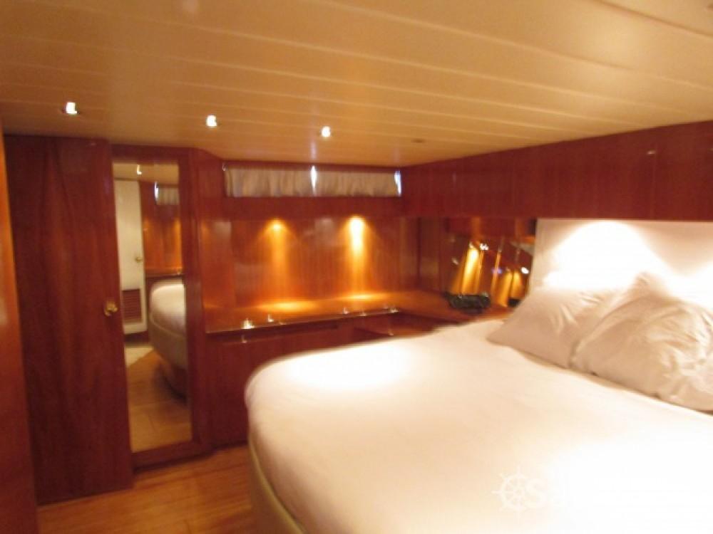 Location bateau President-Marine-Ltd-Taiwan President 585 à Golfe-Juan sur Samboat