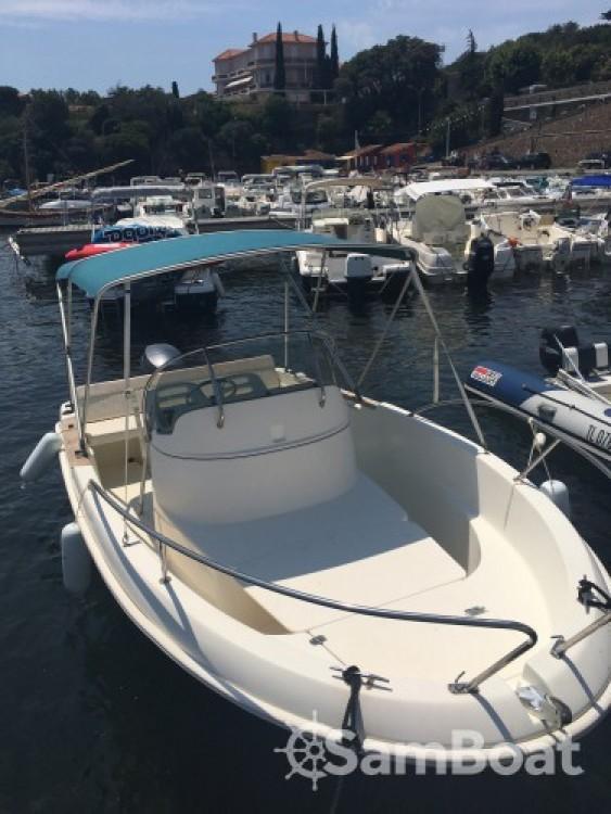Location bateau Saint-Raphaël pas cher Cap Camarat 545 CC