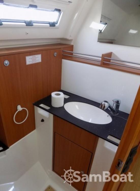 Bavaria Cruiser 36 entre particuliers et professionnel à Marina Kaštela