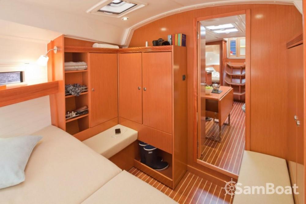 Louez un Bavaria Cruiser 36 à Primošten