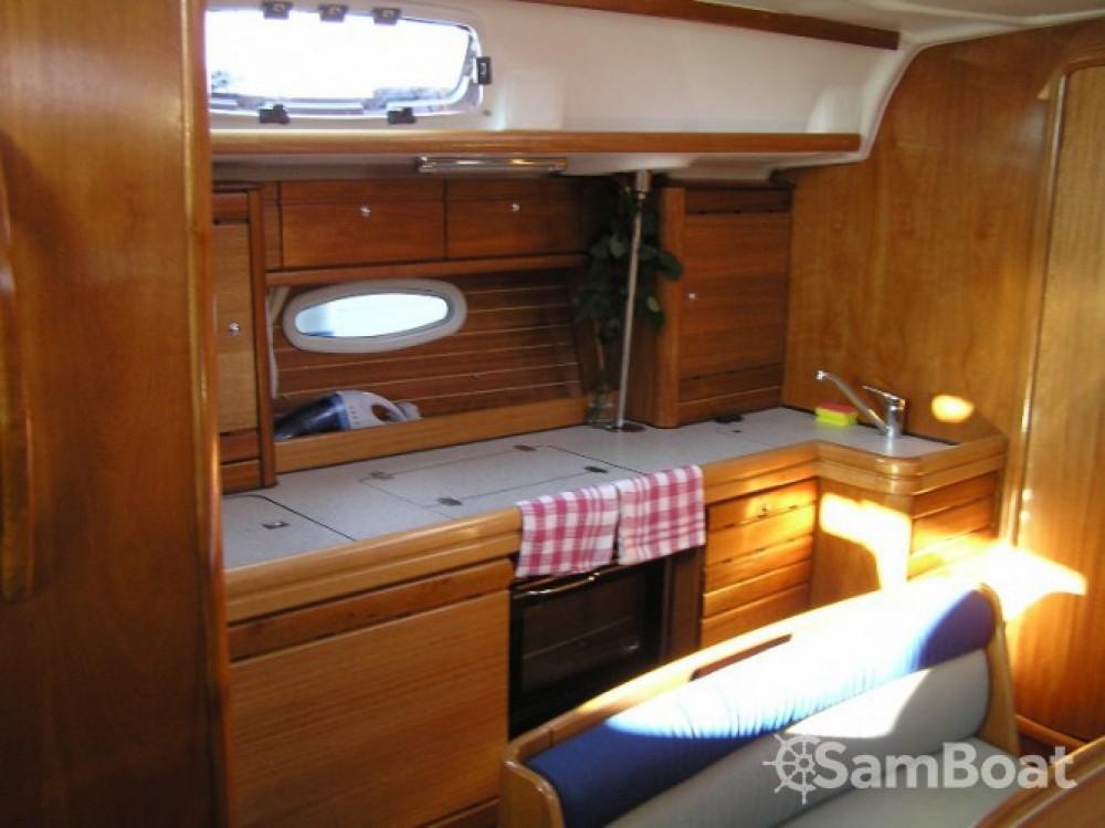 Louez un Bavaria Cruiser 39 à Trogir