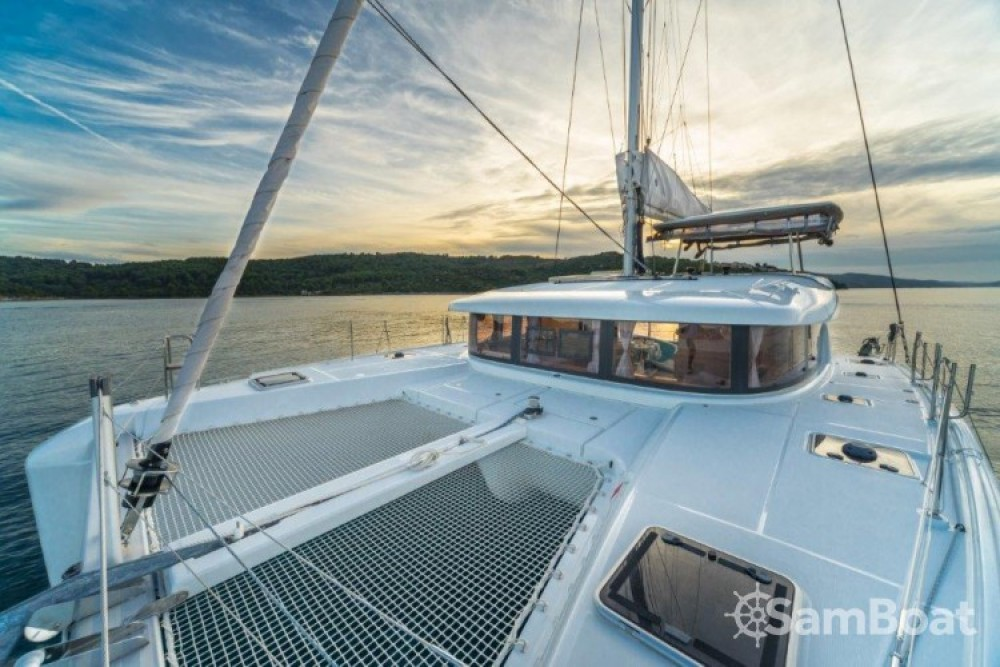 Alquiler de barcos Split barato de Lagoon 42