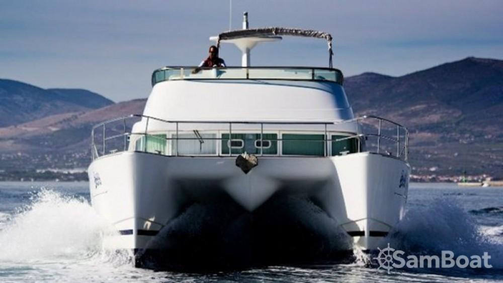 Alquiler de barcos Split barato de Lagoon Power 44