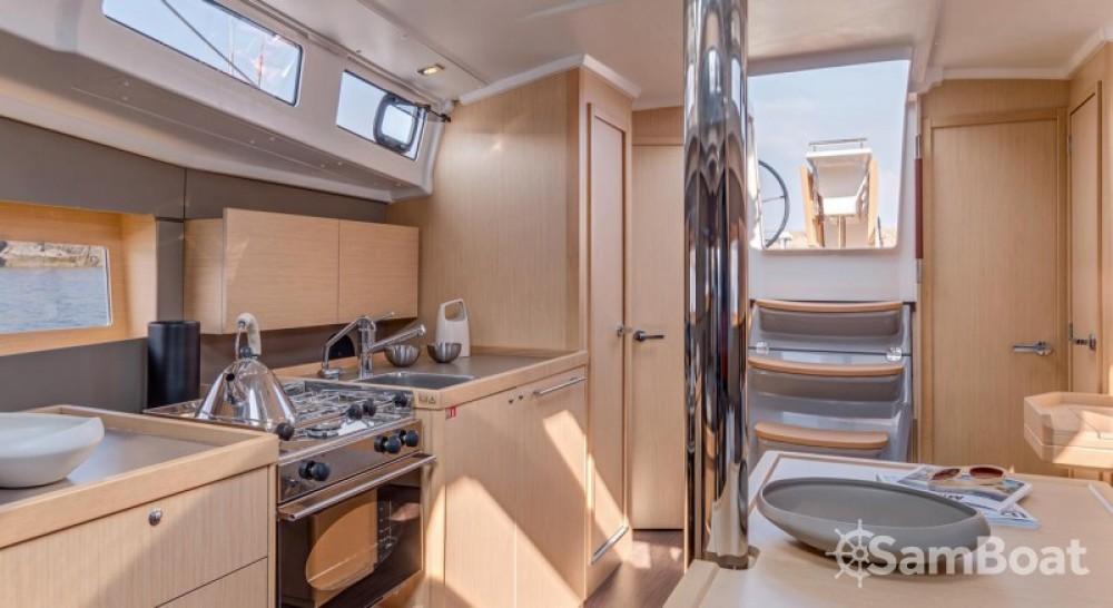 Alquiler de barcos Split barato de Oceanis 38.1