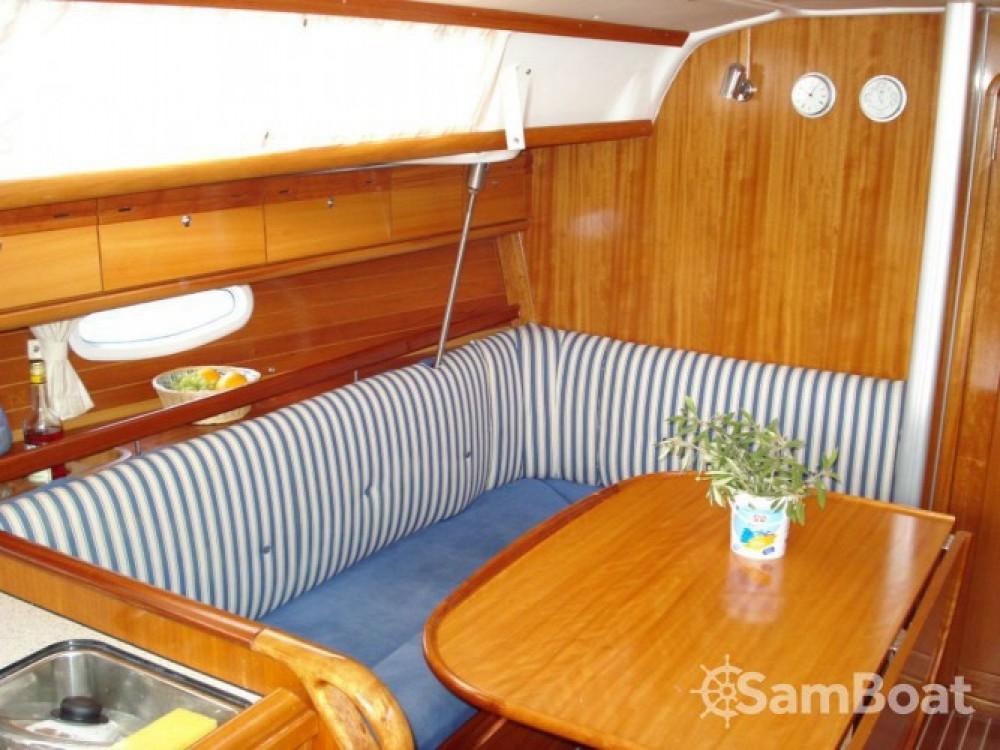 Alquiler de barcos Bavaria Cruiser 34 enLávrio en Samboat
