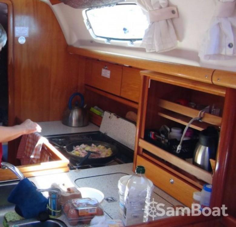 Alquiler de yate Lávrio - Bavaria Cruiser 34 en SamBoat